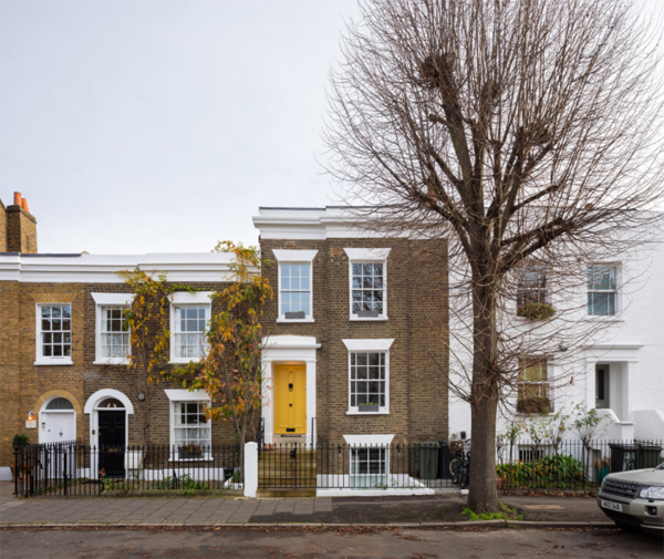 cloistered-house-in-london