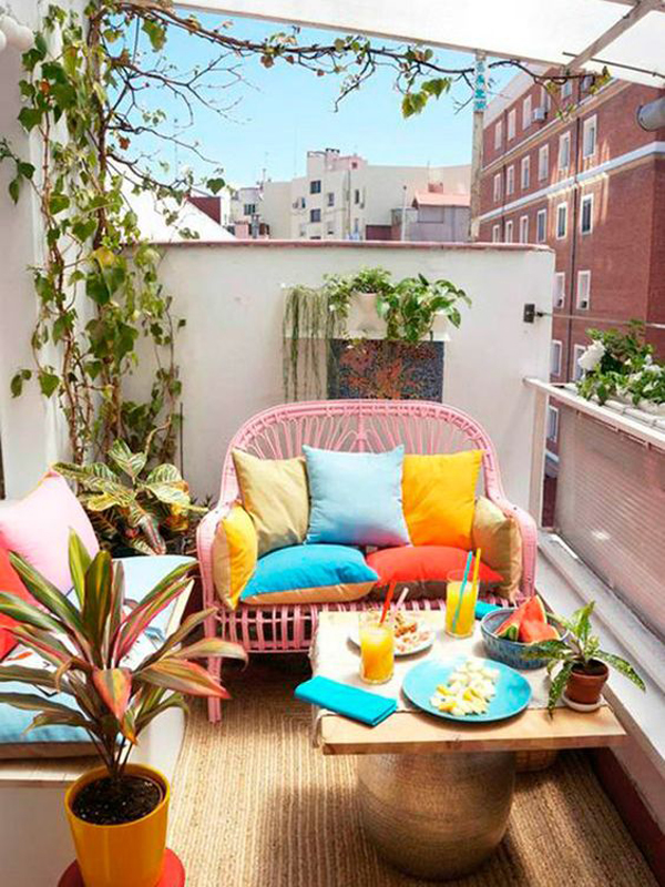 colorful-kids-balcony-ideas-with-chairs