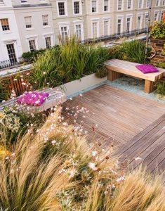 cozy-garden-roof-retreat-design