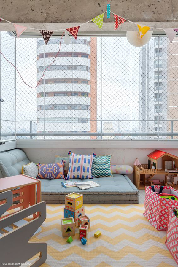 cozy-private-balcony-design-with-kid-spaces