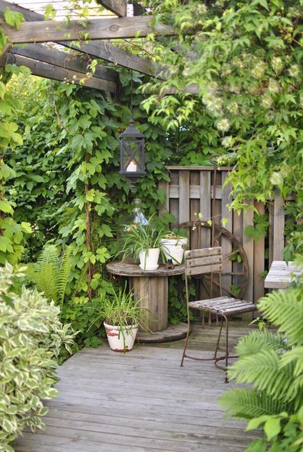 diy-cottage-style-garden-with-pergolas