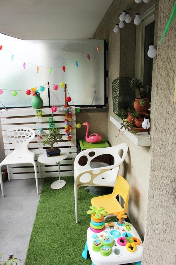 modern-kid-balcony