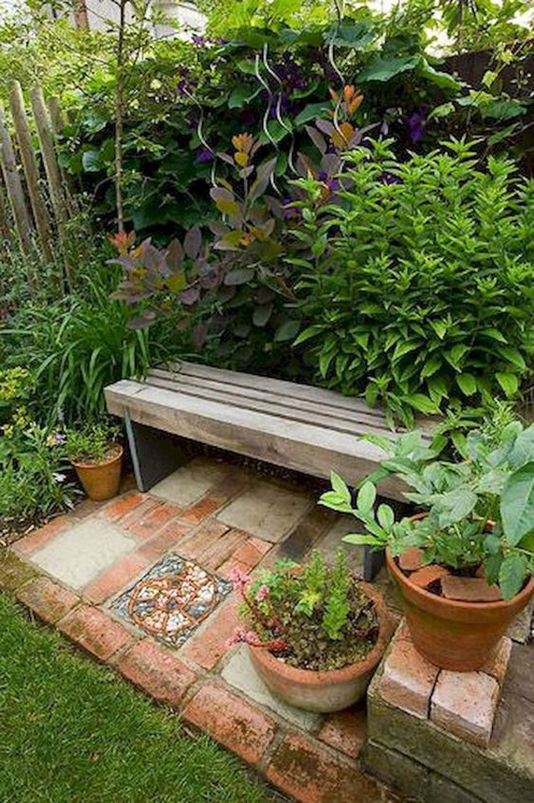 easy-diy-outdoor-bench-for-curl-up