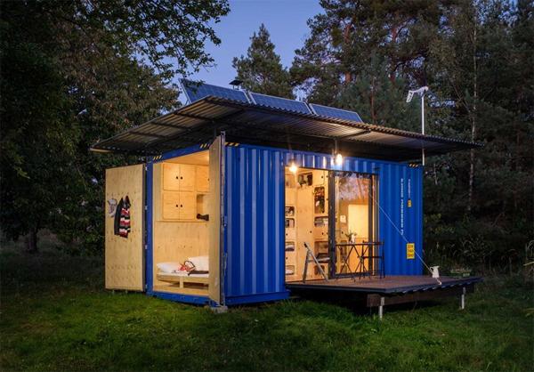 gaia-off-grid-cabin-lights