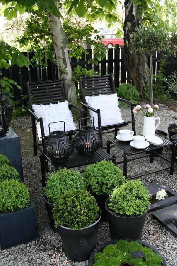 gravel-backyard-garden-with-outdoor-retreat