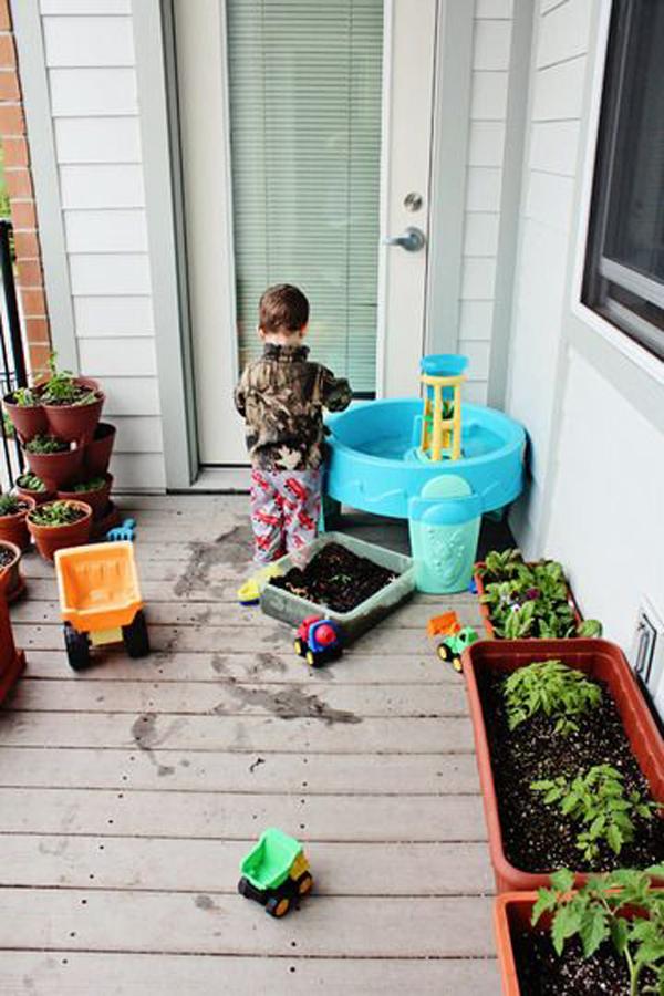 kid-balcony-garden-decor