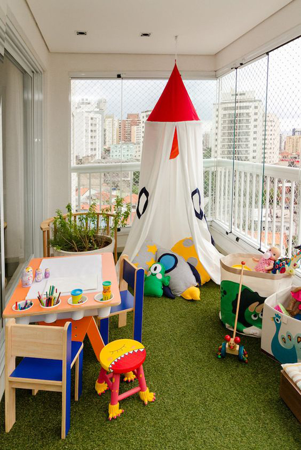 kid-playroom-ideas-in-the-balcony