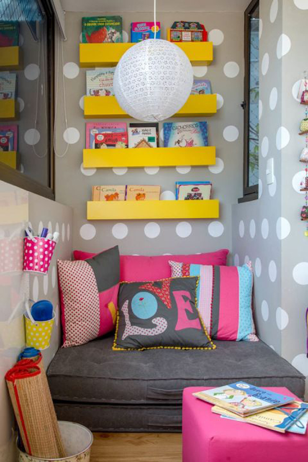 kid-reading-nook-in-the-balcony