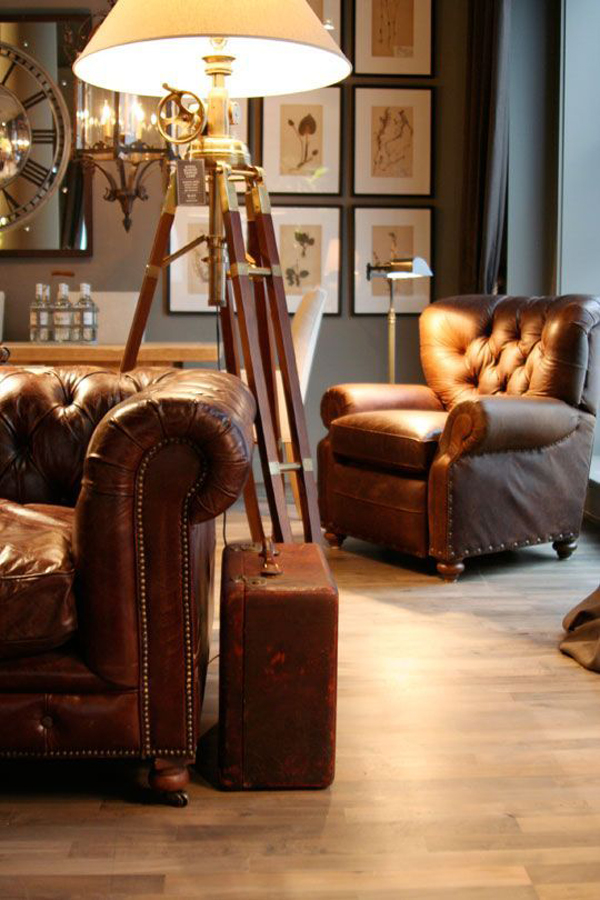 masculine-living-room-with-leather-furniture