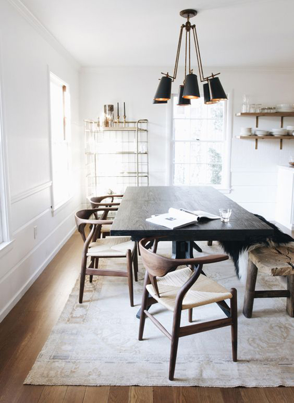 minimalist-black-dining-chairs-and-pendant-lamp