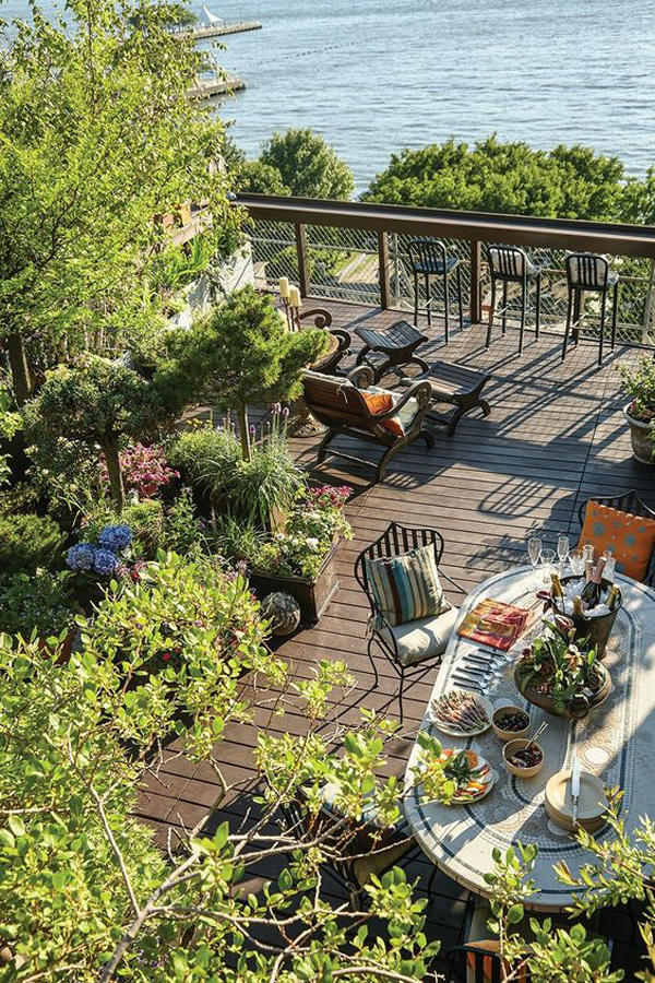 new-york-rooftop-garden-with-beach-view