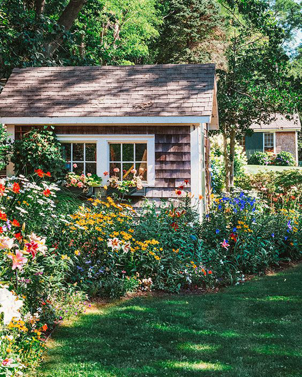 pretty-cottage-garden-shed