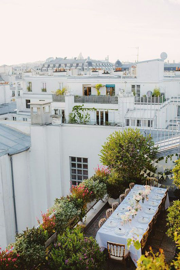romantic-rooftop-garden-with-dining-party-area