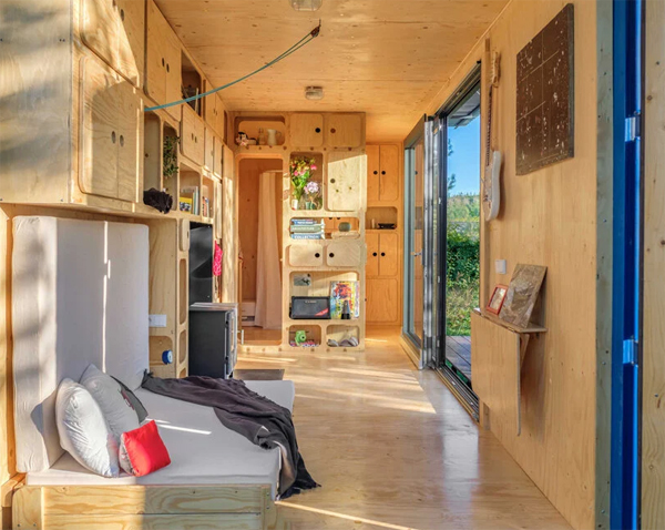 tiny-cabin-shipping-container