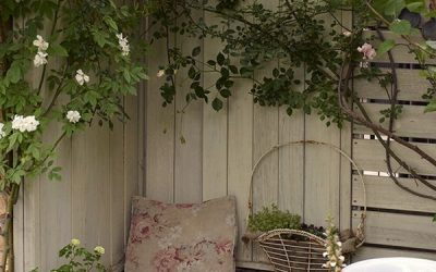 tiny-seating-ideas-for-corner-garden