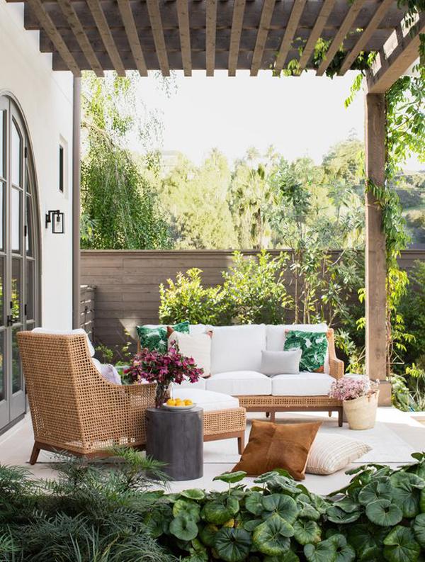 tropical-patio-style-design