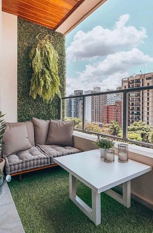 urban-balcony-design-with-artificial-grass
