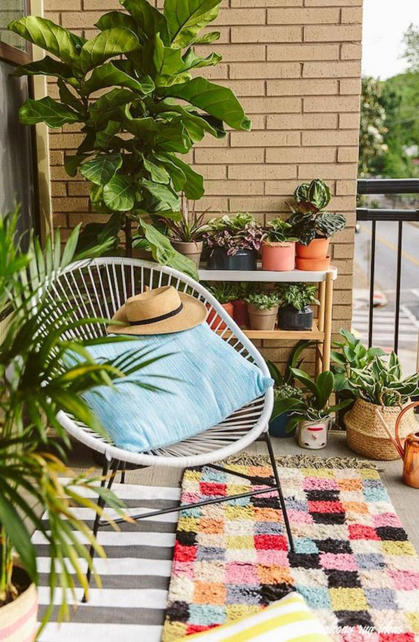 artful-balcony-rug-with-accapulco-chairs