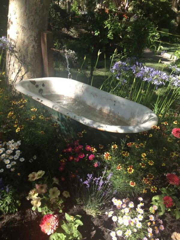 bathtub-garden-pond-design