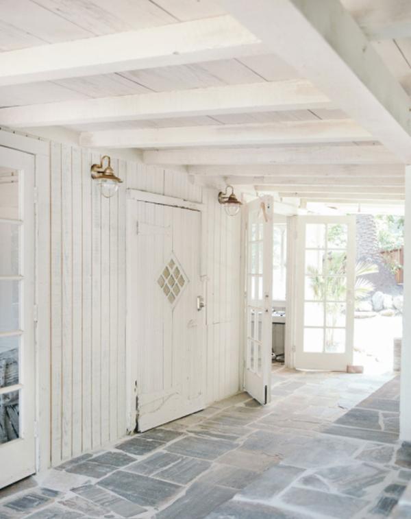 beautiful-cabin-patio-design