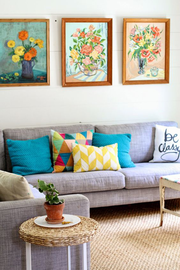 bright-living-room-with-floral-frame-wall