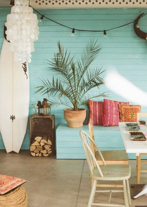 chic-beach-house-with-surfboard-display