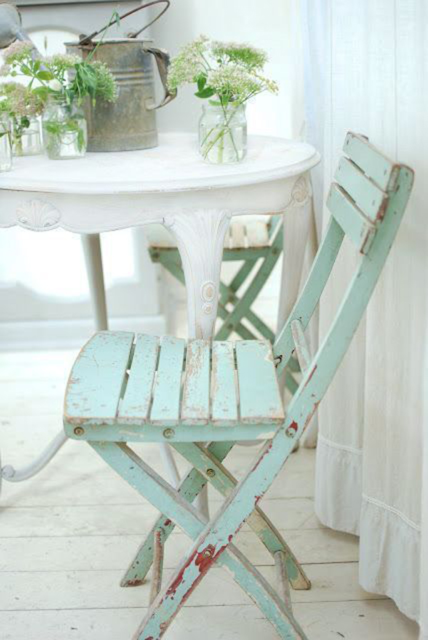 classic-wooden-mint-chair