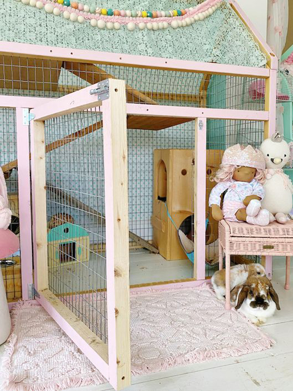 cute-and-adorable-indoor-bunny-cage-design