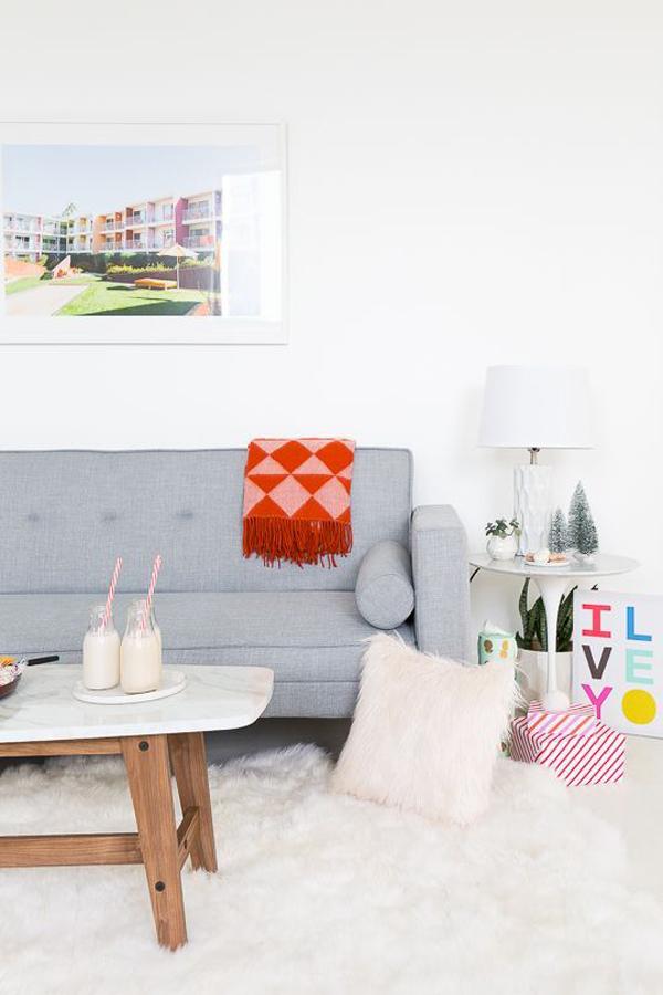 cute-summer-living-room-for-holiday-season