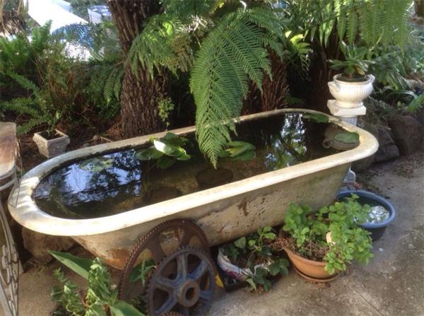 diy-bathtub-garden-pond-decorating-ideas