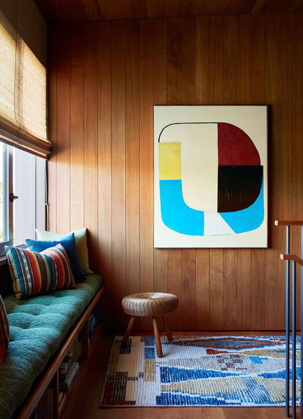 eclectic-interior-with-retro-rugs