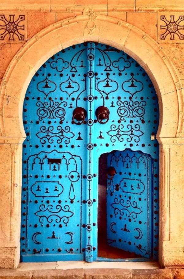 elegance-blue-door-designs