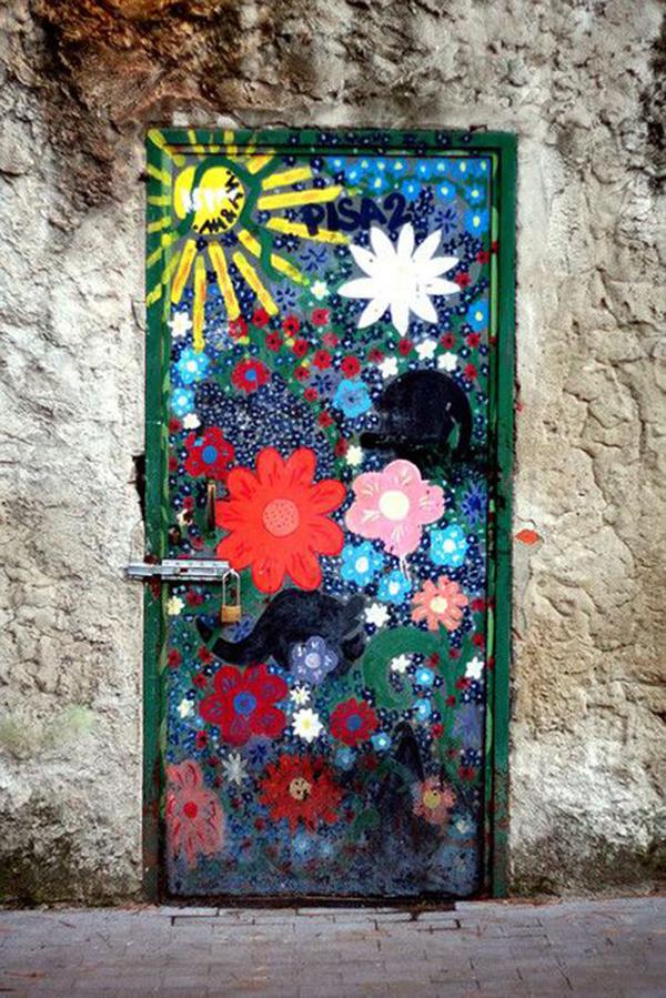 floral-paint-door-design
