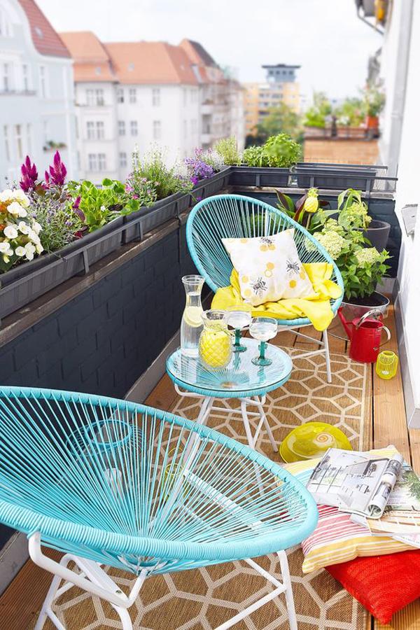 fresh-and-summer-balcony-decor-with-rug
