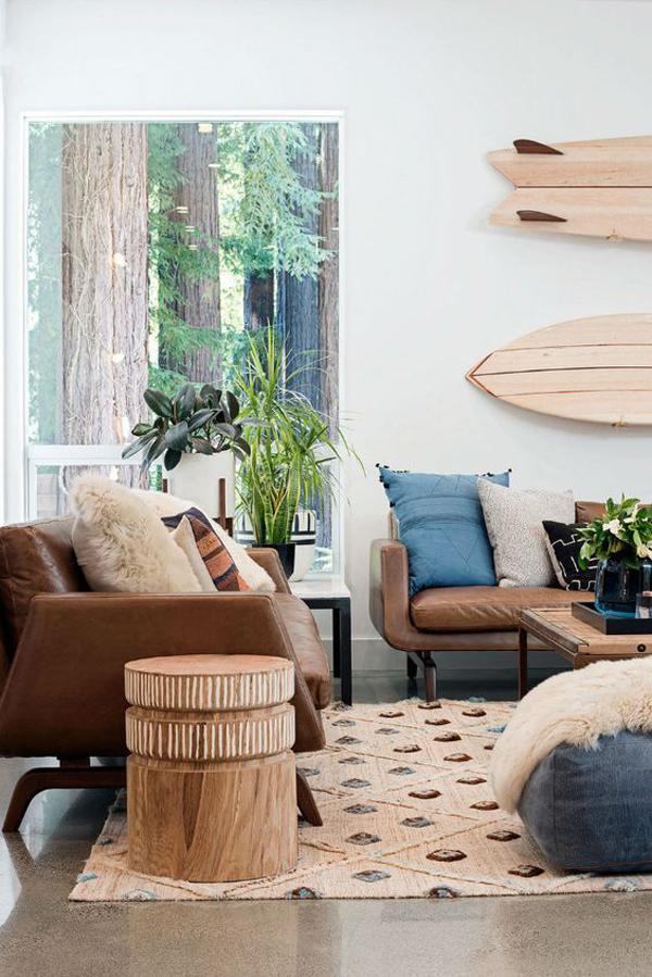modern-coastal-living-room-with-surfboard-wall