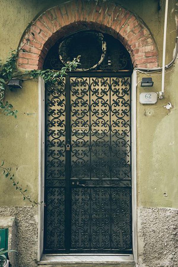 mysterius-door-design