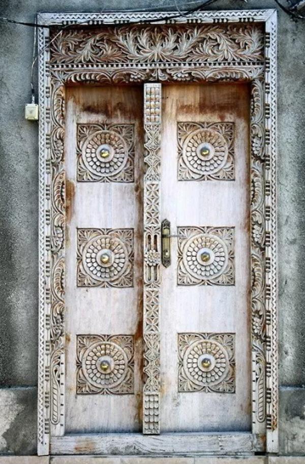 old-and-magic-door-design