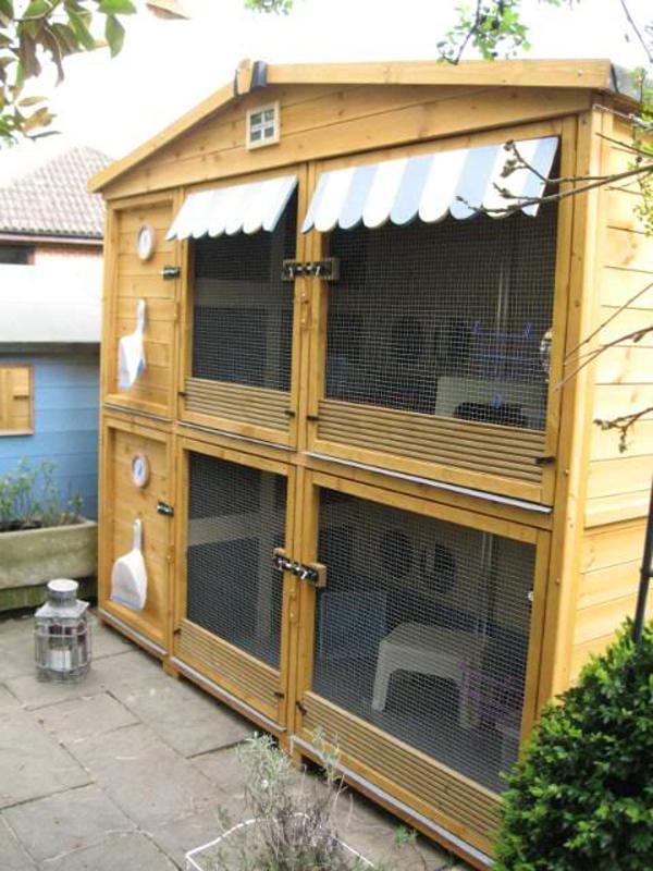 outdoor-wood-bunny-cage-ideas