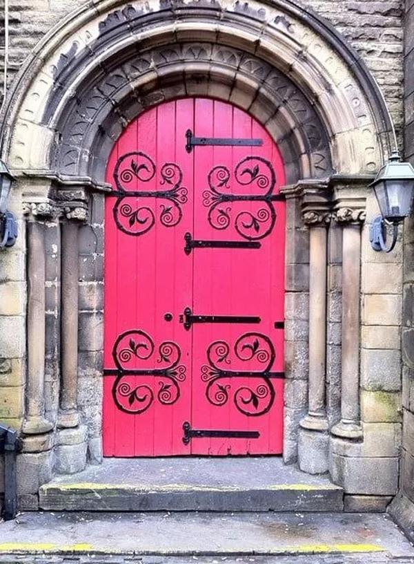 powerful-pink-door-designs