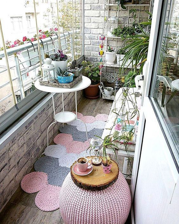 pretty-hexagon-balcony-rug-design