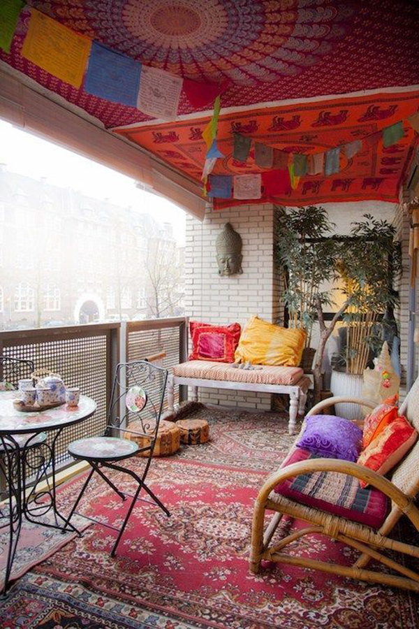 private-balcony-ideas-with-bohemian-rug