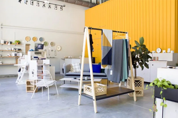 shop-interior-with-bold-wall-color
