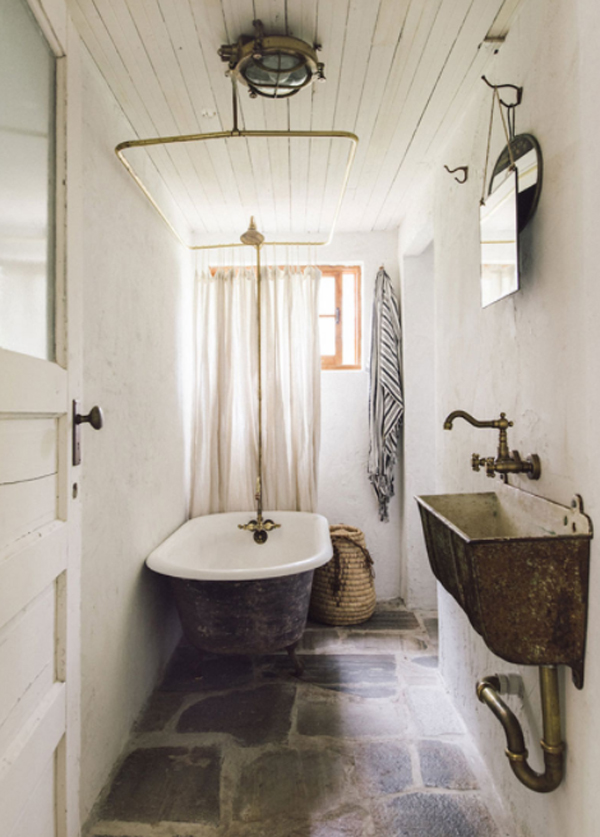 small-vintage-bathtub-design