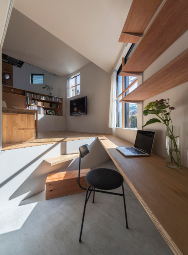 small-wood-home-office-design