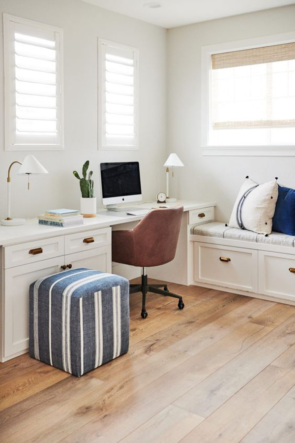 traditional-beach-inspired-workspaces
