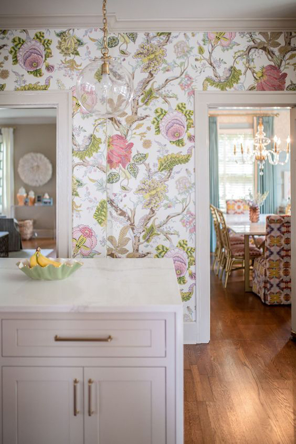 traditional-floral-kitchen-wallpaper