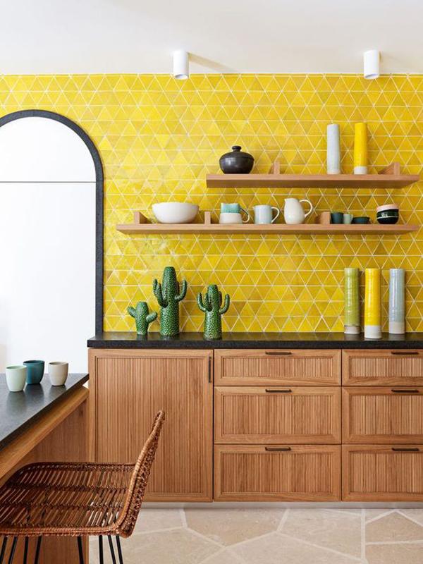 triangle-yellow-kitchen-wallpaper