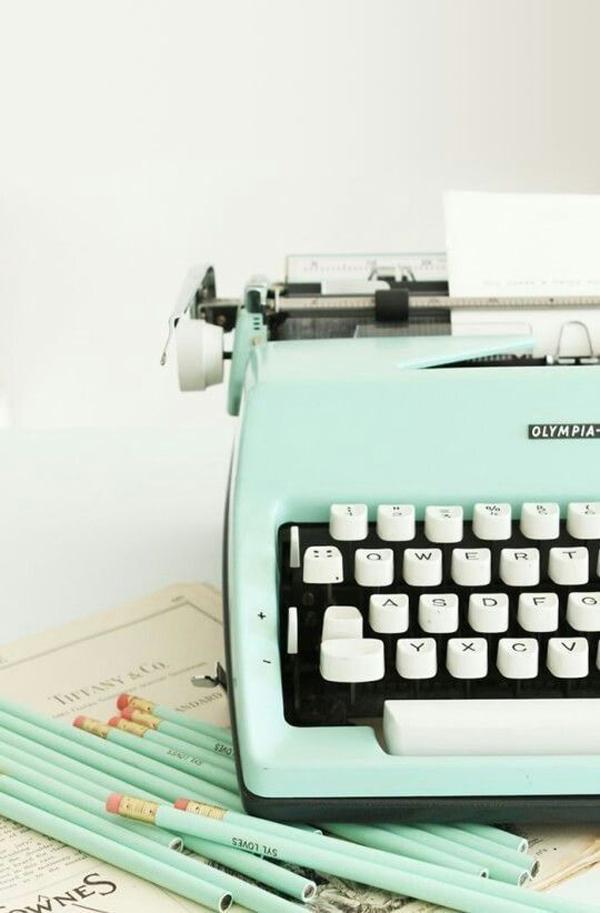 vintage-mint-typewriter