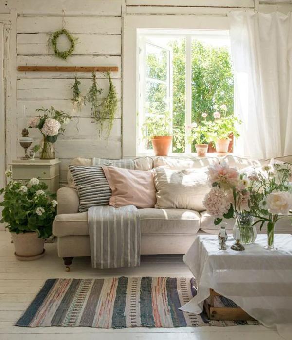 vintage-summer-cottage-living-room-decor