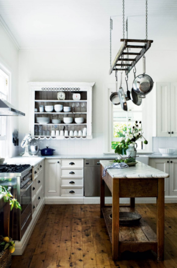 willow-farm-homestead-kitchen-with-antique-decor